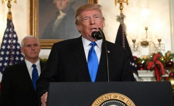Trump ameaça paralisar o Governo se democratas não financiarem muro com o México