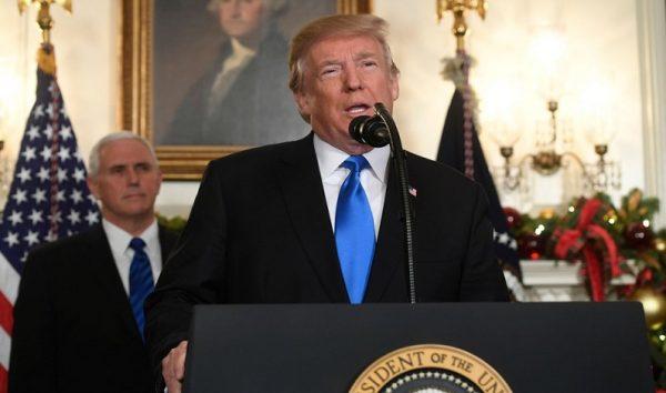 Governo Trump revoga política de tolerância à maconha nos estados