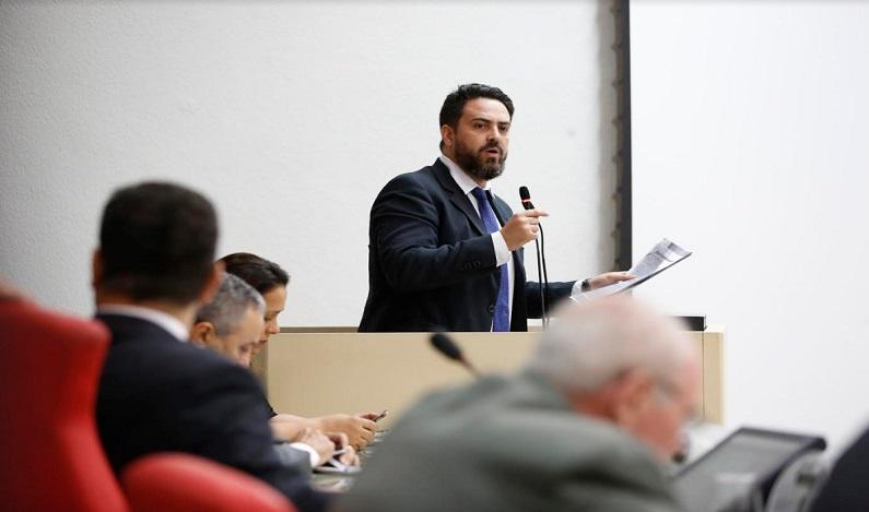 Bandeira tarifária: Léo Moraes solicita explicações da Eletrobras sobre aumento de 8,27% da tarifa em Rondônia