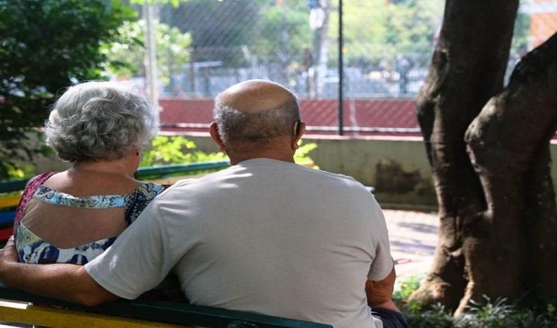 Expectativa de vida do brasileiro sobe para 75,8 anos, diz IBGE