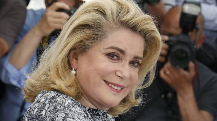 """Na França, mais de 100 atrizes assinam manifesto contra """"puritanismo"""" sexual que tomou conta dos EUA"""