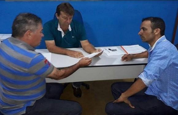Deputado Edson Martins garante R$ 230 mil para aquisição de micro-ônibus para saúde em Vale do Anari