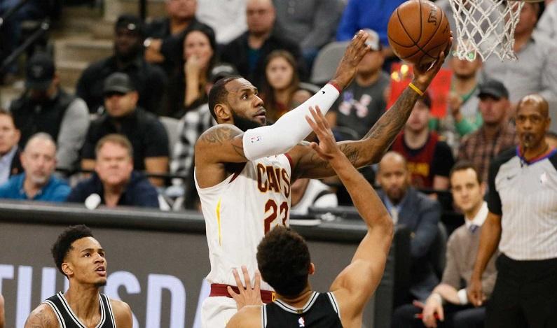 LeBron James quebra recorde e atinge 30 mil pontos na NBA