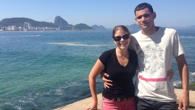 'Ninguém liga para PMs mortos', diz americana que luta por justiça para noivo executado no Rio