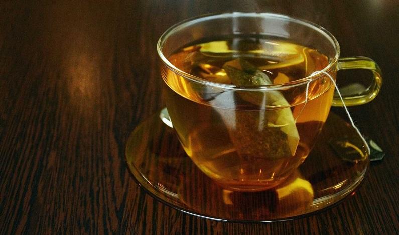 Anvisa proíbe venda de chás com substâncias irregulares e até insetos