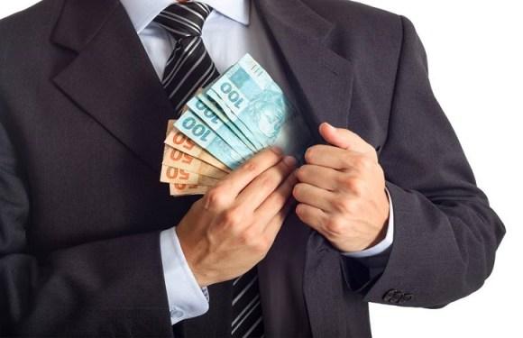 Projeto obriga corruptos a pagarem três vezes o valor desviado