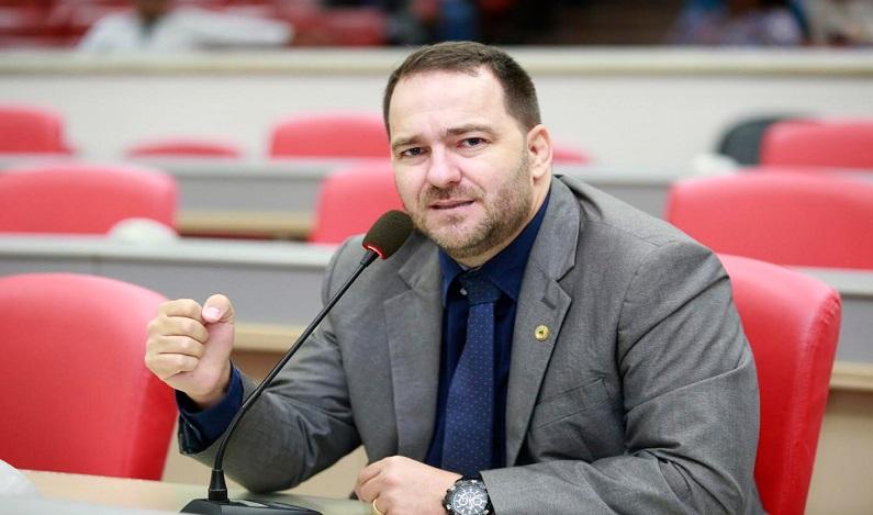 Alex Redano propõe alteração de lei que disciplina exigências para plano de manejo florestal