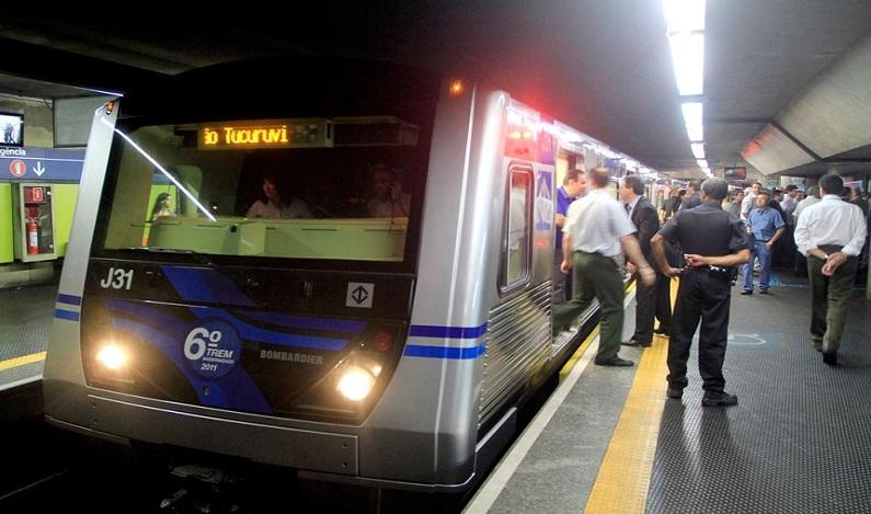 Projeto concede porte de arma à segurança do metrô
