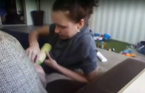 Babá flagrada, em vídeo, maltratando bebê pode ser condenada a 10 anos de prisão