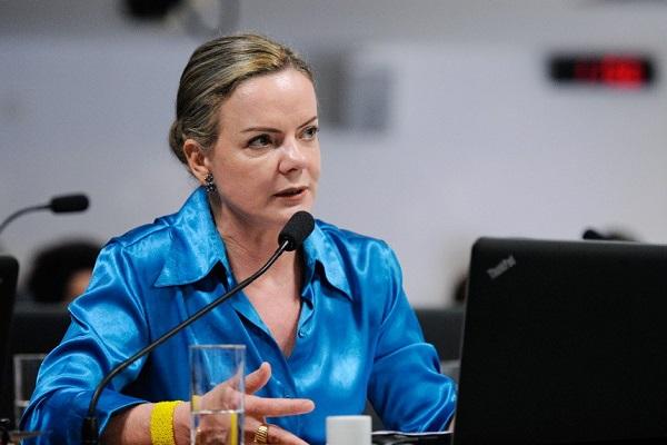 Em vídeo, Gleisi afirma que denúncia no STF é perseguição contra PT