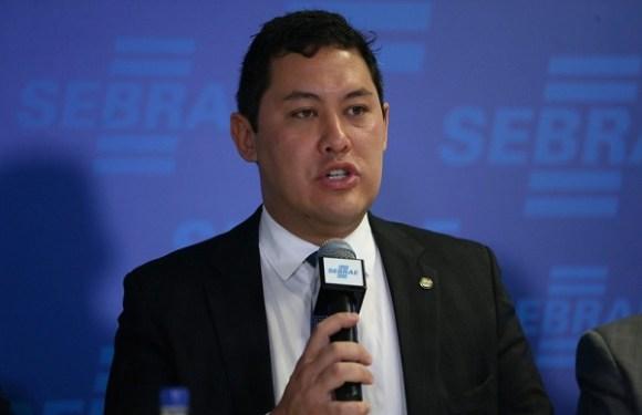Ministro do Trabalho presta depoimento á Polícia Federal