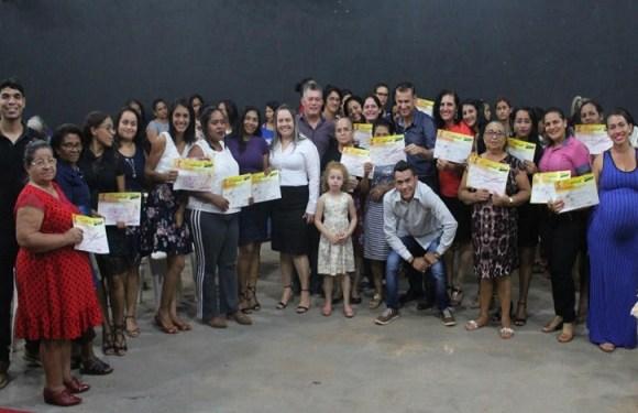 Deputado Edson Martins prestigia encerramento de cursos profissionalizantes em Porto Velho