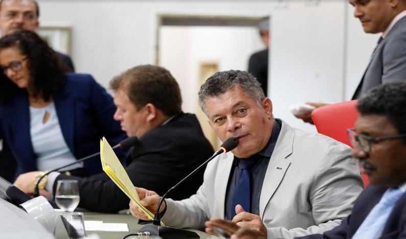 Deputado Edson Martins requer Voto de Louvor a policiais do GOE de Ji-Paraná