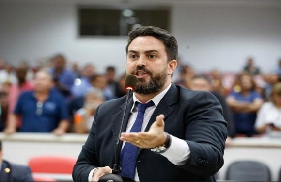 Léo Moraes relata caos na saúde pública de Porto Velho