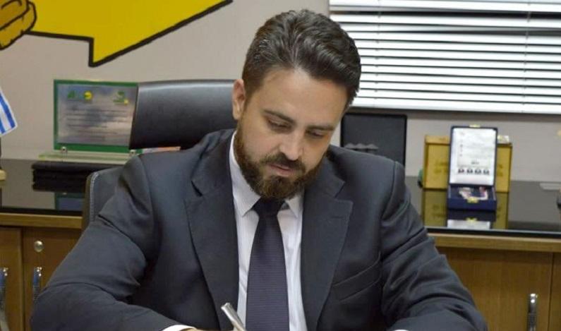 Léo Moraes cria projeto de lei que assegura aleitamento materno em locais públicos