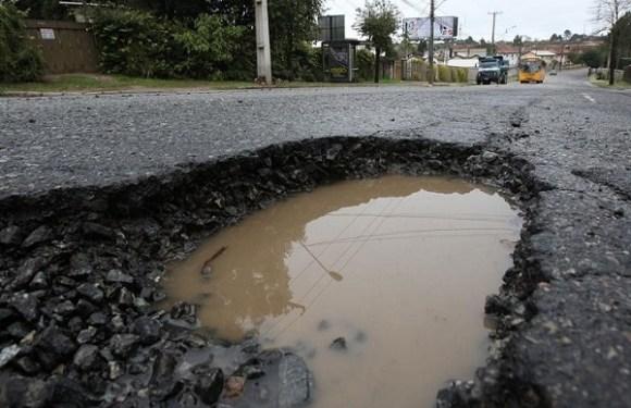 Seguradora é condenada por negar reparo em veículo danificado por buraco no asfalto