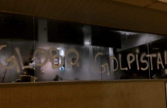 Manifestantes do MST invadem parque gráfico do Globo