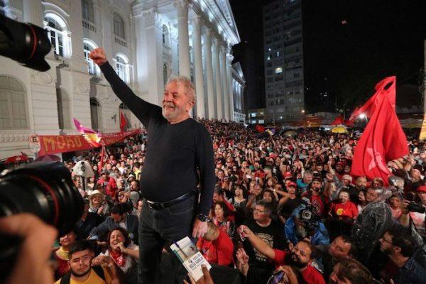 PT protocola pedido de registro de candidatura de Lula à Presidência da República