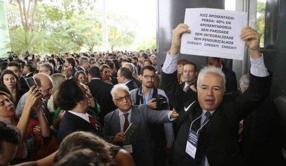 OAB-DF vai acionar CNJ para punir juízes que entrarem em greve