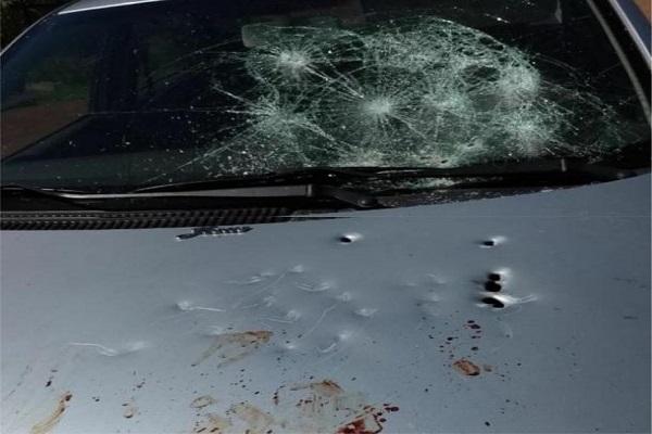 Policial se irrita após ser revistado em festa de formatura e atira contra carros, em RO