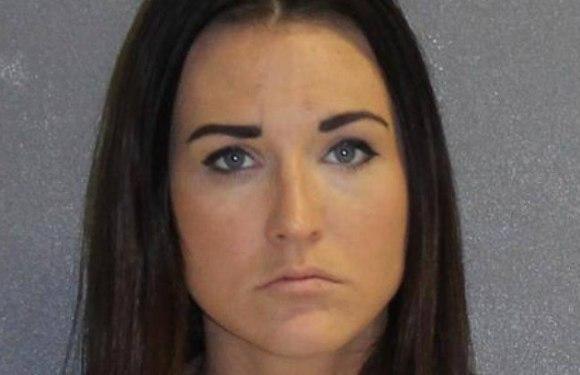 Professora de ciências é presa por tirar a virgindade de aluno de 14 anos