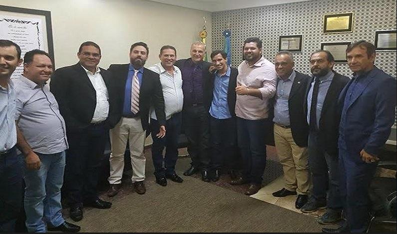 Jean Oliveira participa das negociações para pôr fim à greve da Idaron