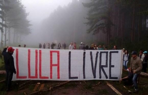 Protestos contra a prisão de Lula bloqueiam rodovias em vários estados do País