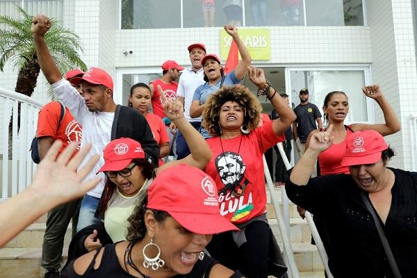 PF instaura inquérito e perícia analisa danos após invasão a triplex atribuído a Lula