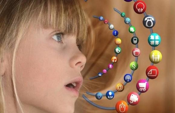 Deputado quer proibir menores de 12 anos de usar redes sociais em MG