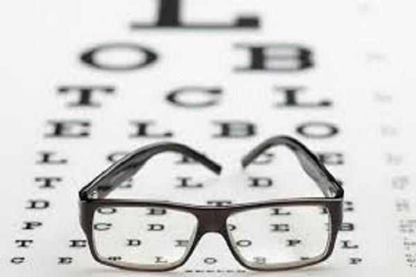 Comissão aprova prioridade para exames auditivos e oftalmológicos em alunos da rede pública