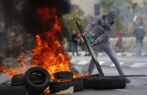 Conflitos na Faixa de Gaza deixam mortos e 500 feridos