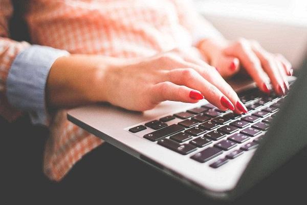 40% dos brasileiros fazem autodiagnóstico médico pela internet