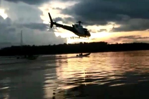 Para prender 2 pescadores, PM faz perseguição cinematográfica com helicóptero no Rio Madeira; veja vídeo