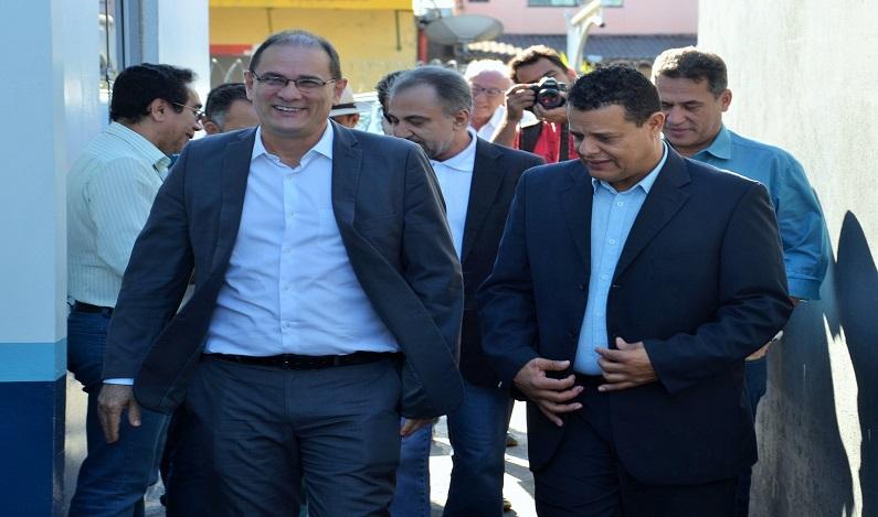 Deputados se reúnem com o presidente da Caerd, que apresenta resumo das ações