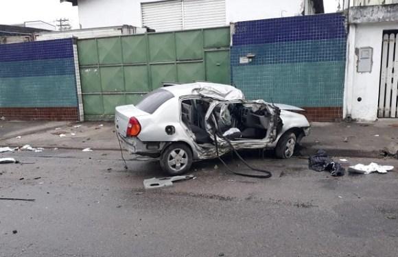 Grave acidente mata duas mulheres em SP; vítima foi arremessada do carro