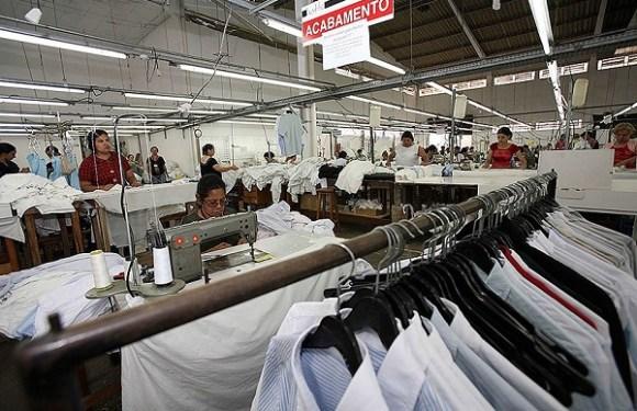 Lei regulamenta a profissão de corretor de moda