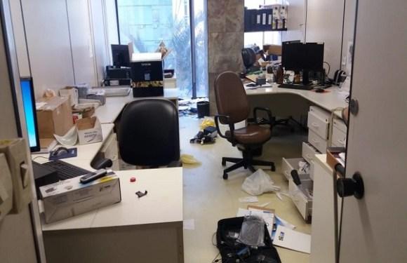 Ministério do Trabalho é invadido e amanhece com salas reviradas; 1º andar é interditado