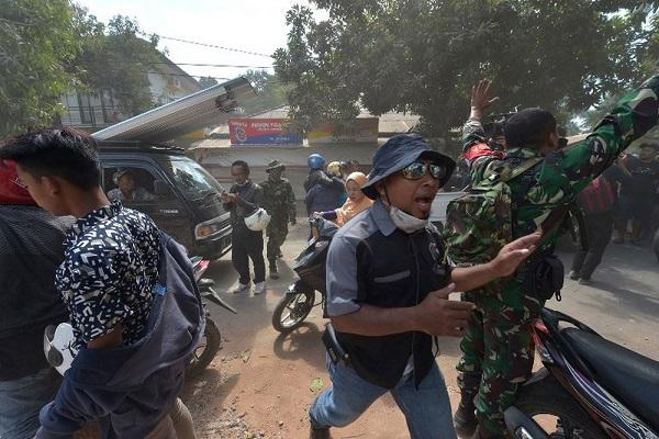 Resultado de imagem para Terremoto atinge a Ilha de Lombok, na Indonésia