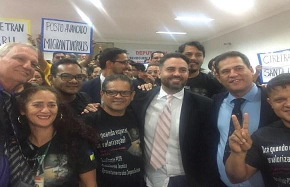 Léo Moraes vota por revogação de leis que prejudicavam servidores do DETRAN/RO