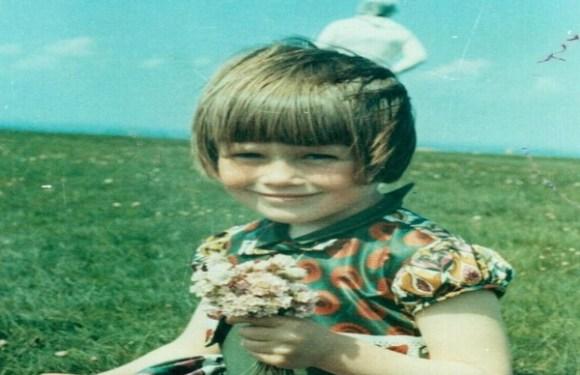 O mistério do 'astronauta de Solway', que apareceu inesperadamente em foto de menina britânica