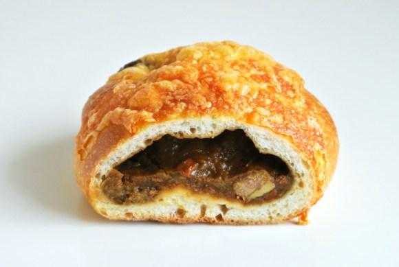 ブーランジェリー・ココロの「焼きカレーパン」