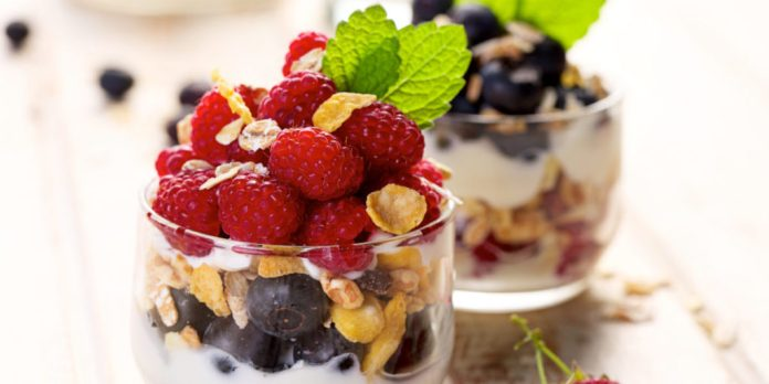 Healthy Snacks for Weight Loss coconut yogurt and mixed berries