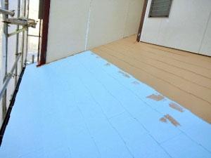 屋根塗装 中塗り(断熱セラミック塗料)4