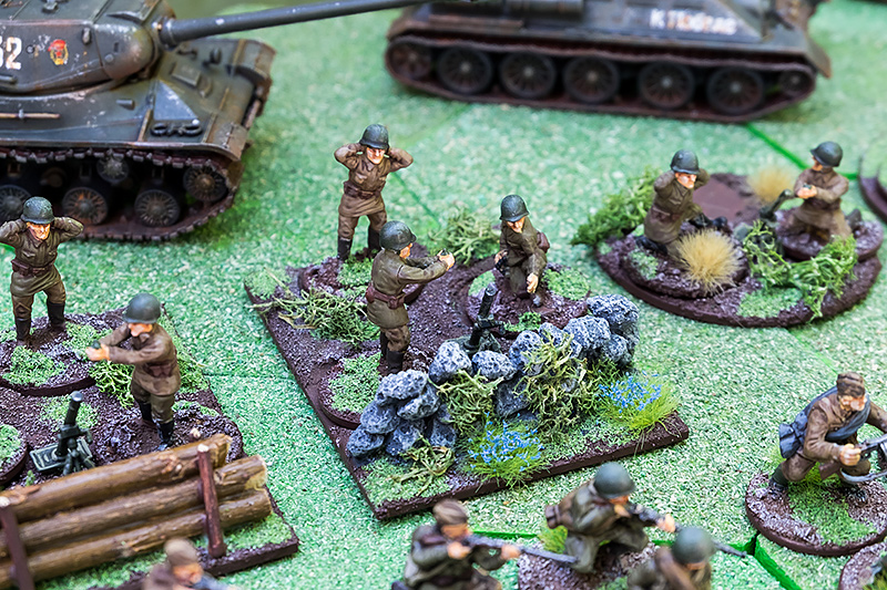 82mm Mortars & Crew