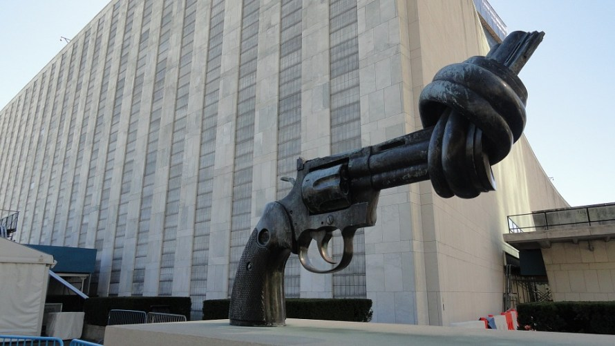 new-york_the-knotted-gun-879289_960_720