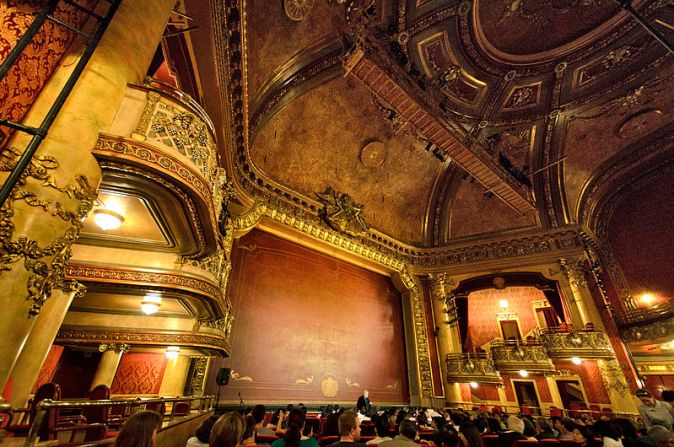 800px-Elgin_Theatre_interior