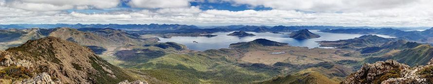 Lake_Pedder_From_Mt_Eliza