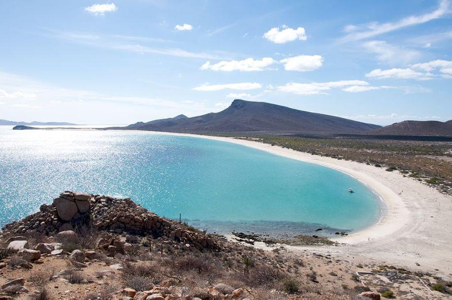 La_playa_de_Isla_Espíritu_Santo_-_panoramio