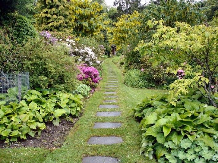 Kailzie_Gardens_Geograph-483278-by-Kay-Atherton