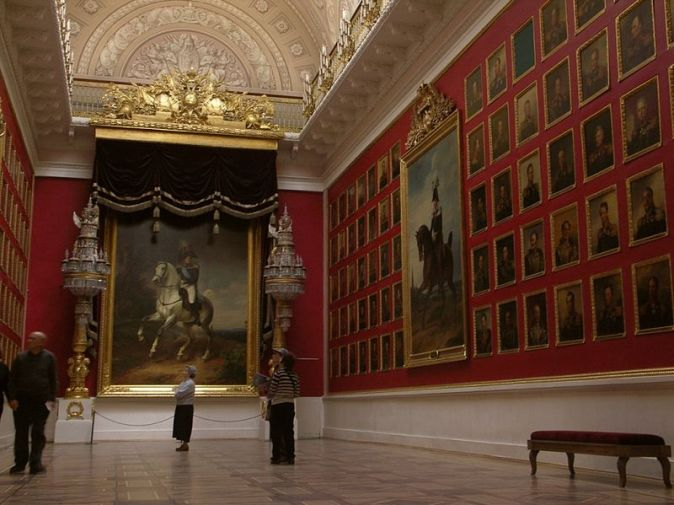 800px-Inside_the_hermitage